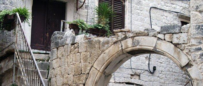 Chorwacki Trogir – plaże, noclegi, knajpy i inne przyjemności